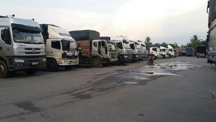 Xe tải chở hàng sự kiện quảng cáo tphcm đi tỉnh